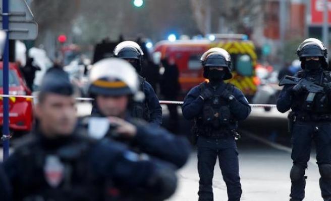 Fransızlar Paris'i terk ediyor
