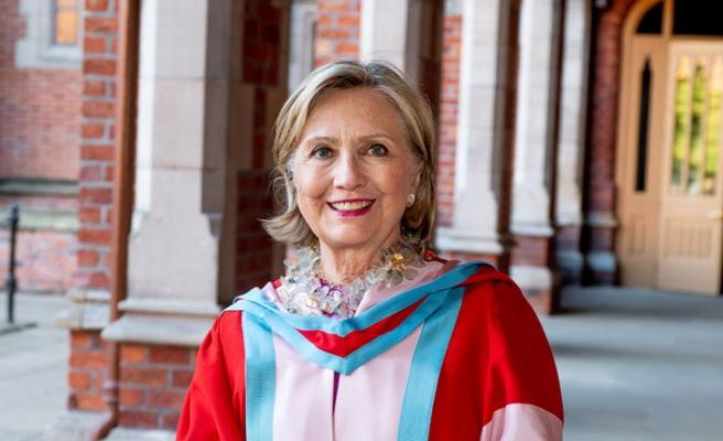 Hillary Clinton, Kuzey İrlanda üniversitesine fahri rektör oldu