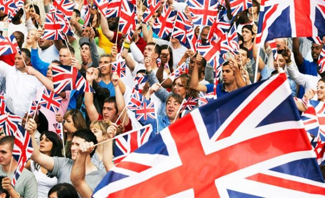 İngiltere Brexit sonrası döneme bayram havasında girecek