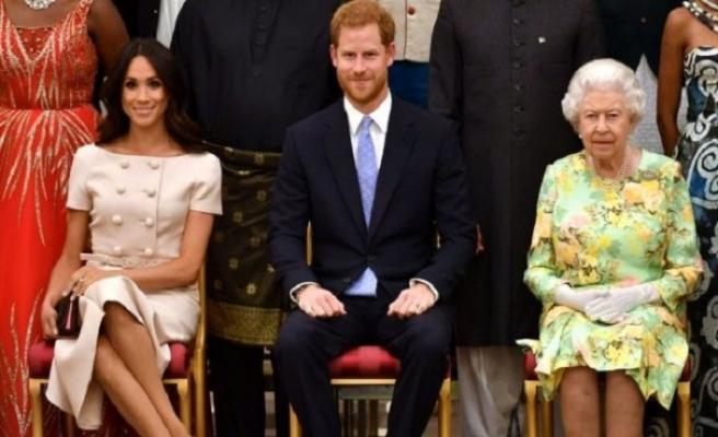 Prens Harry'nin eşi Meghan Markle Kanada'ya gitti