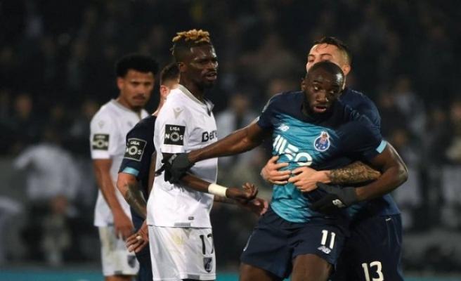 Futbol dünyasından ırkçılığa maruz kalan Marega'ya destek