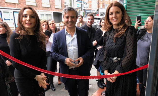 Girişimci iki Türk hanımdan Londra'da güzellik salonu