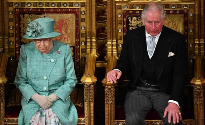 Kraliyet Ailesinde Birşeyler Oluyor!