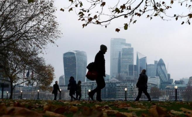 Londra dünyanın en büyük finans merkezi olmakta iddialı