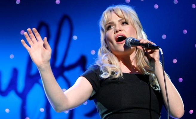 Ünlü Şarkıcı Duffy'den 'Tecavüz' Açıklaması