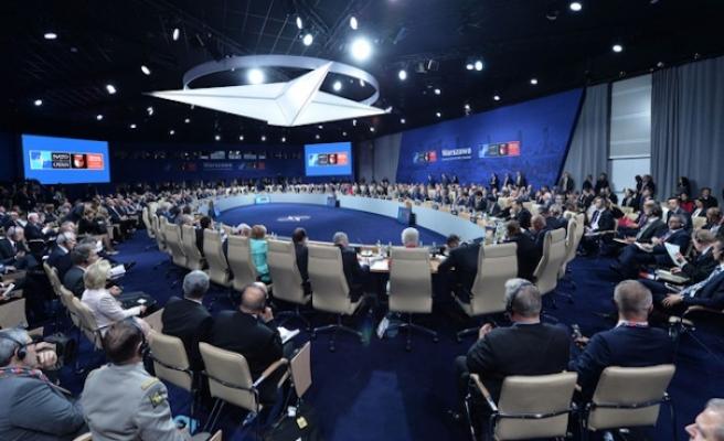 İspanya salgınla mücadele için NATO'dan yardım istedi