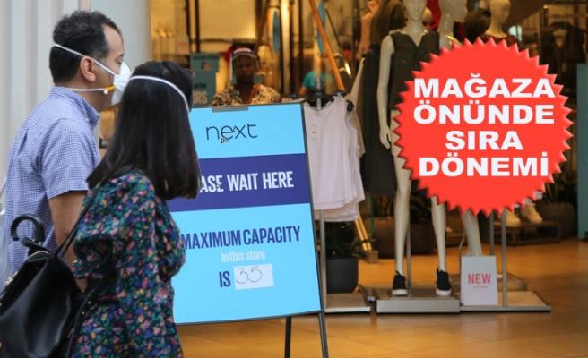 İngiltere'de Perakende Dükkanları Açıldı