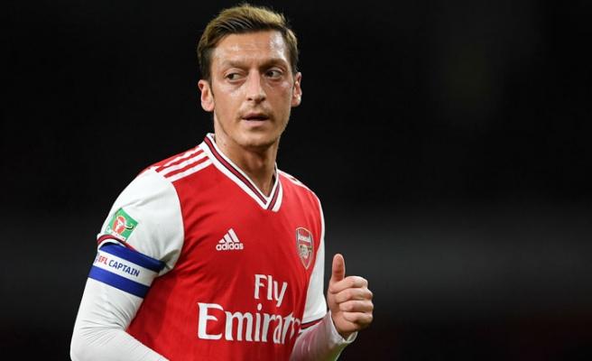 Mesut Özil, Kendi Markasını Kurdu