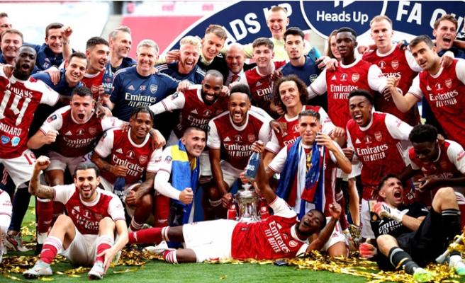 Arsenal, İngiltere Federasyon Kupası'nın Sahibi