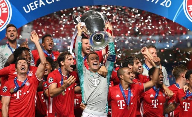 Bayern Münih Şampiyonluk Kupasını Kaldırdı