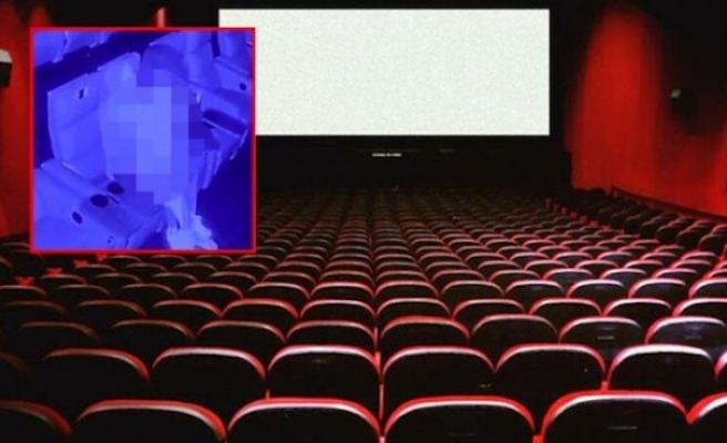 İngiltere'de sinema salonunda cinsel ilişkiye giren çift viral oldu