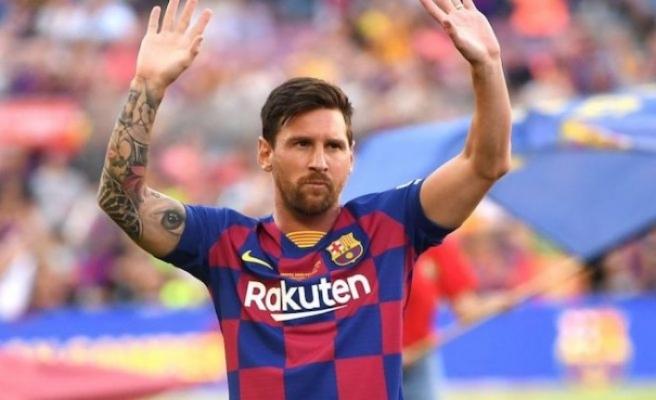 Messi, ayrılma isteğini Barcelona'ya iletti