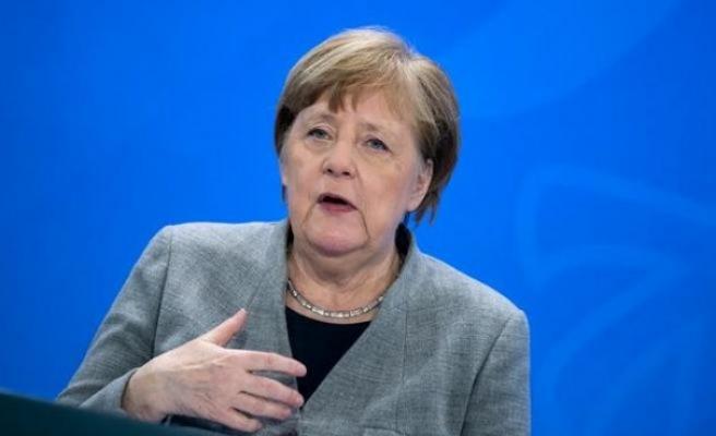 Merkel Koronavirüs vakalarındaki artıştan endişeli