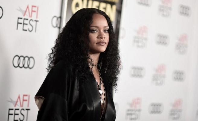 Rihanna'nın yüzündeki morluklar, hayranlarını korkuttu!