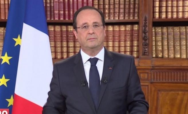 Hollande'den 'Müslümanlarla teröristleri bir tutmayalım' mesajı