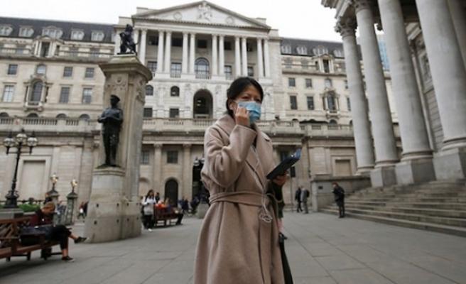 İngiltere'de üç aşamalı önlem planı uygulamaya başlanıyor