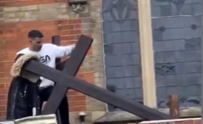 Londra'da kiliseye saldırı