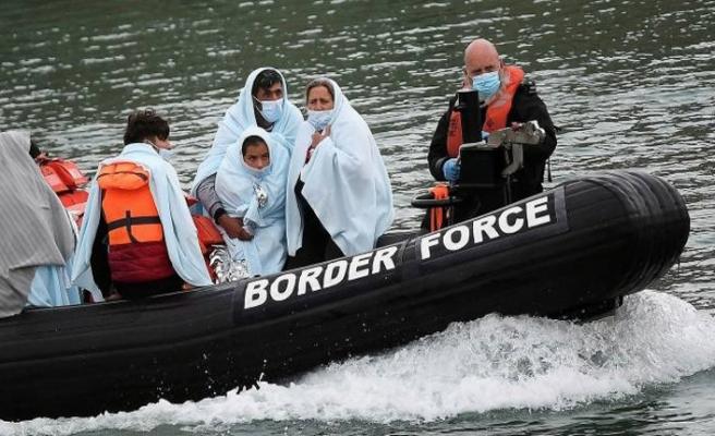 İngiltere'ye Geçmeye Çalışan 2'si Çocuk 4 Göçmen Boğuldu