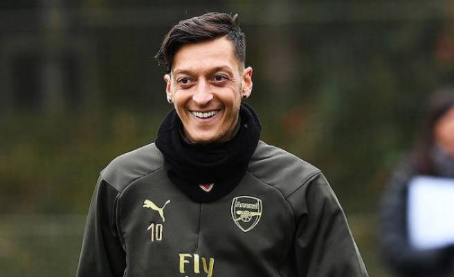 Mesut Özil'in yeni rotası ya ABD ya da Fenerbahçe olacak
