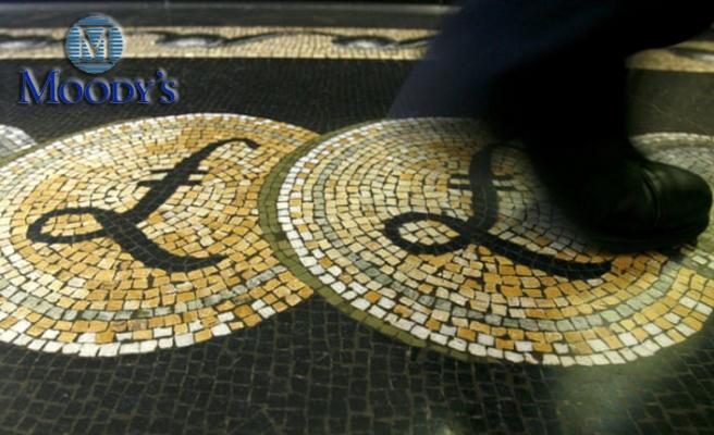 Moody's İngiltere'nin Kredi Notunu Düşürdü