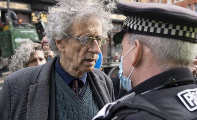 Londra'da Aşı Karşıtlarına Gözaltı