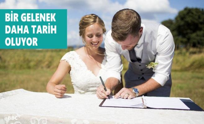 İngiltere'de Evliliklerde Yeni Uygulama