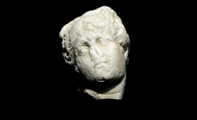 Afrodit heykelinin başı bulundu
