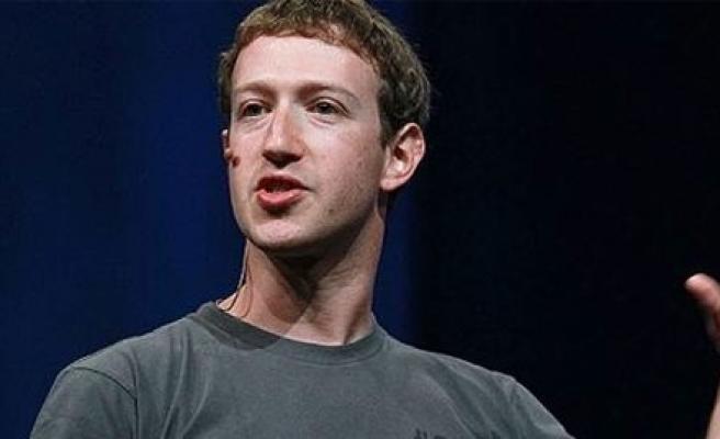 Facebook'un patronu 'Apple'a böyle çaktı!