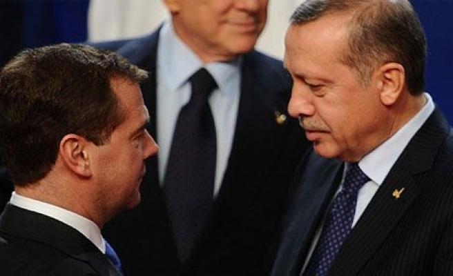 Başbakan Medvedev ile Görüştü