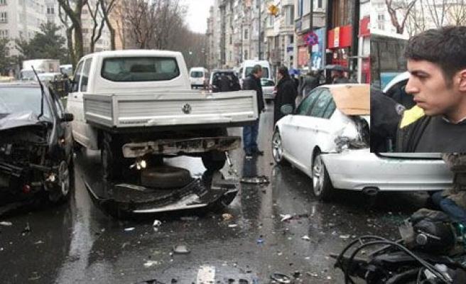 Ehliyetsiz sürücü caddeyi savaş alanına çevirdi