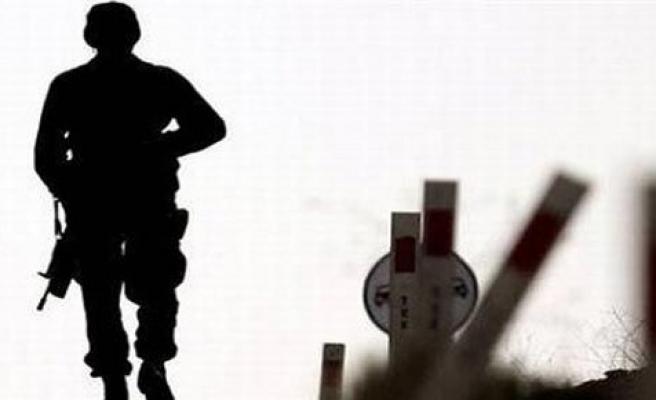 Hakkari'de iki asker öldü