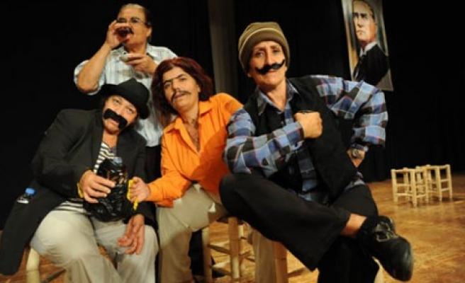 Kadınlar tiyatro ile Altın Portakal'da