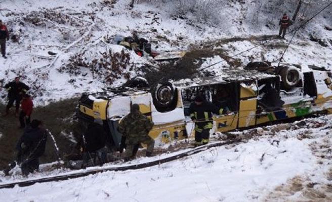 Kırklareli\'nde yolcu otobüsü şarampole yuvarlandı