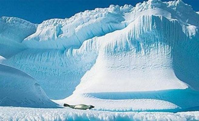 Kuzey Kutbu'ndaki buzullarda rekor gerileme