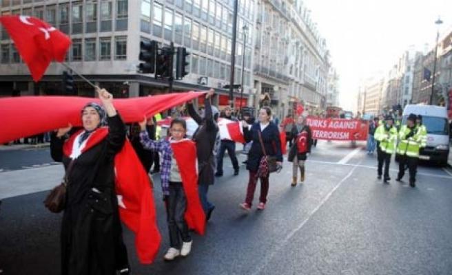Londra'da terör protesto edildi