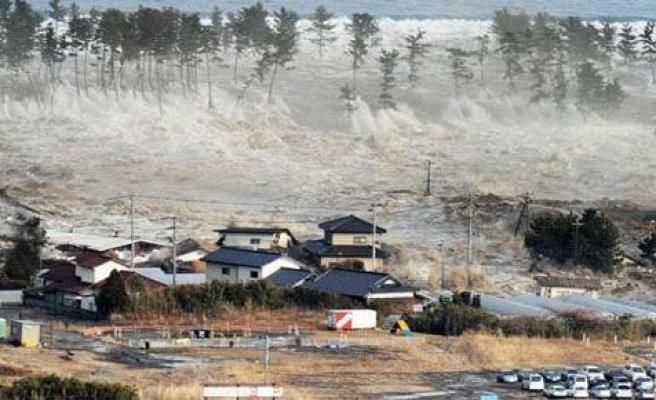 Tsunami 30 bin insanı intihar ettirdi