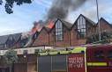 Londra'da AVM'de yangın