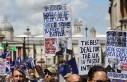 Londra'da binlerce kişi Brexit ve Boris Johnson'a...