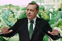 Erdoğan mültecilere, Avrupa Erdoğan'a yardım etmeli