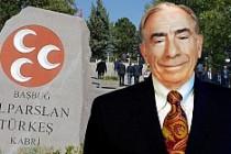 Alparslan Türkeş vefatının 19. yılında anılıyor