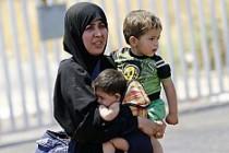 İngiltere gizlice 700 mülteciyi sınırdışı etti