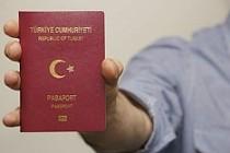 AB Komisyonu'ndan vizesiz seyahate tavsiye