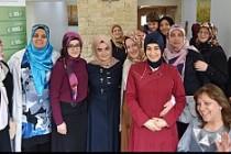 İHH'dan Suriyeliler yararına kahvaltı programı