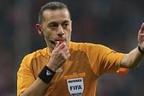 UEFA'dan Cüneyt Çakır'a yeni görev