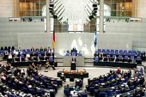Almanya'dan 11 Türk vekil için flaş karar