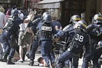 Fransa'da iki ingiliz taraftara hapis