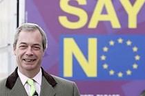 Brexit kampanyasının öncüsü UKIP lideri Farage istifa ediyor