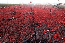 'Demokrasi ve Şehitler' için millet Yenikapı'da