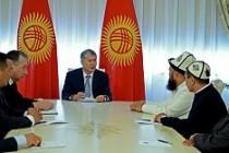 Kırgızistan laiklik ve dini özgürlüğü tartışıyor