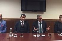 AK Parti heyeti İngiltere'de FETÖ yapılanmasını anlatıyor